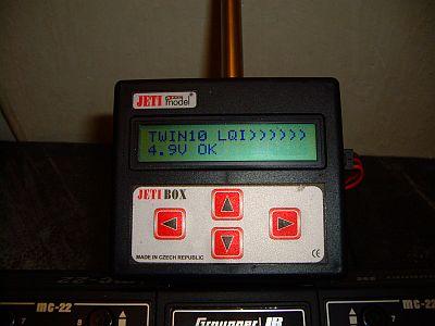 Napětí přijímačového akku snímané interním čidlem přímo v přijímači Twin10E na displeji Jetiboxu